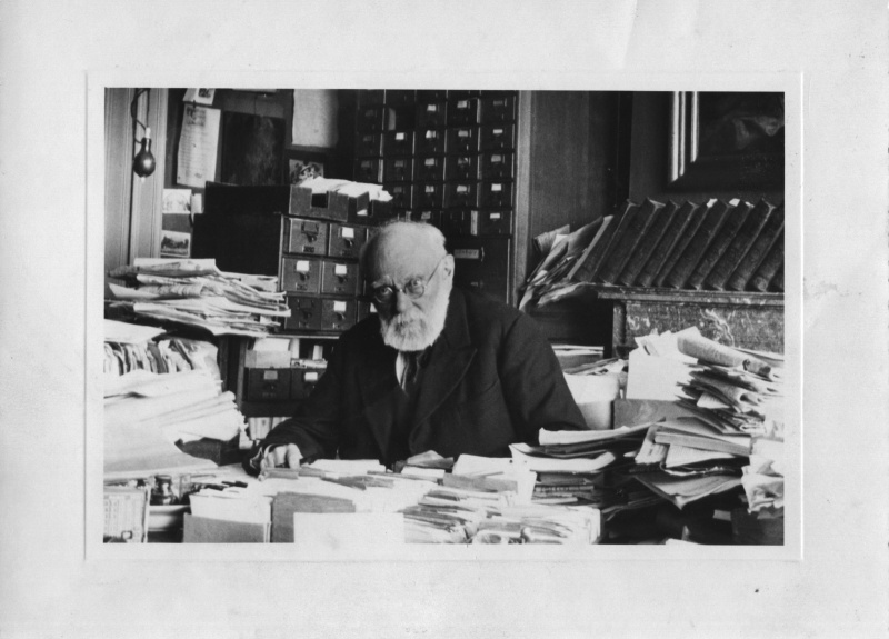 File:╕ Mundaneum - Paul Otlet Е son bureau, 1934 (full version).jpg